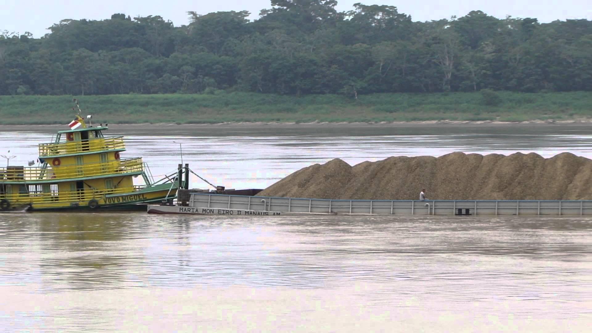 Transporte de Minério em Balsas na Região Amazônica Amazonas Rondônia Pará